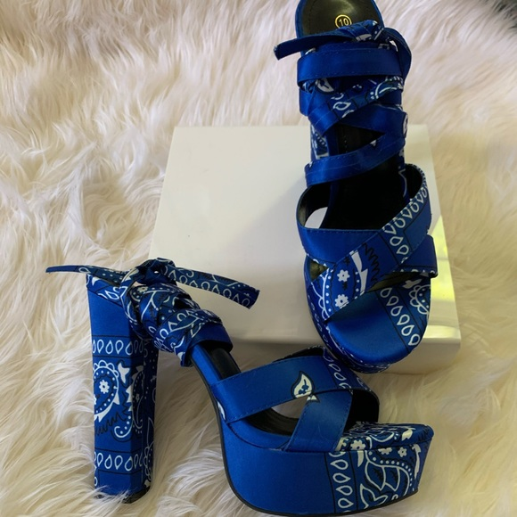 Shoes - Bandana Heels